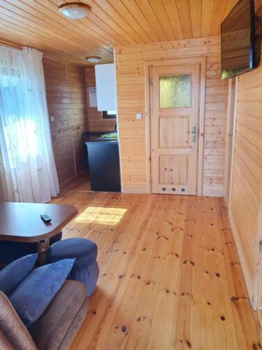 wnętrze domku - salon